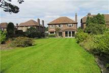 4 bedroom Detached house in Carr Road, Hale