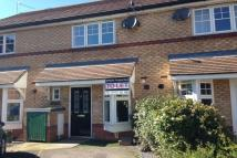 Town House to rent in Fisher Close...