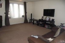 Town House to rent in Willenhall Street...