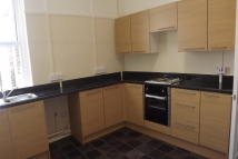 3 bedroom Flat in Hamlet Court Road...