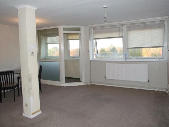 Lounge/ Balcony