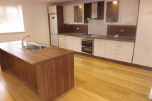 4 bed Detached property in Wickham Court Road...