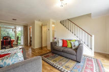 Flat in Avondale Road, Bromley...