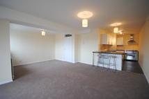 3 bedroom Apartment to rent in High Street, Lingfield