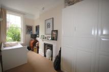 2 bedroom Flat to rent in Doods Road, Reigate