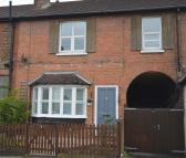 4 bedroom End of Terrace property to rent in Somerset Road, Redhill