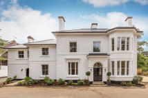 property to rent in Reigate, Surrey