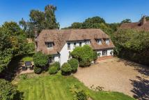 4 bedroom Detached property in Ridlands Lane, Oxted
