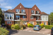 2 bedroom Ground Flat in Central Reigate