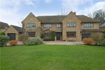 Detached house in Beech Waye...