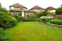 4 bedroom Detached property to rent in East Molesey