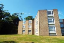 2 bed Apartment to rent in Heathside, Weybridge