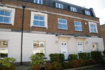 4 bed home in WOODSOME LODGE, WEYBRIDGE