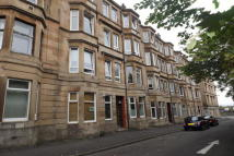Flat to rent in Bannatyne Avenue...