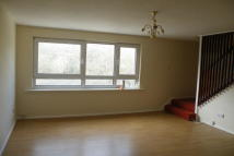 2 bedroom Flat to rent in Courtwood Lane...