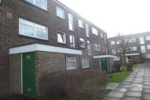Apartment to rent in Pixton Way, Croydon CR0