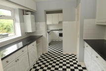 4 bed semi detached house in Bruce Drive, Croydon CR2