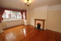 3 bedroom semi detached home to rent in Brickwood Rd, Croydon CR0