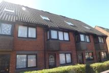 Maisonette to rent in Tremona Road -...