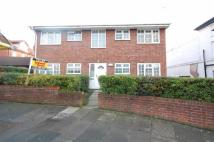 2 bed Flat in Mount Pleasant Road...