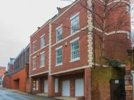 Town House to rent in Dee Lane, Chester