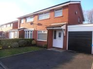 3 bedroom property to rent in Gloucester Close...