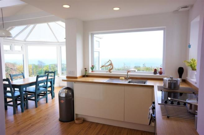 Kitchen/sun room