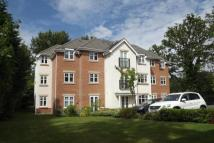 1 bed Flat for sale in Lightwater, Surrey