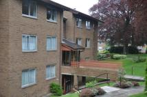 3 bedroom Flat in Woodland Court...