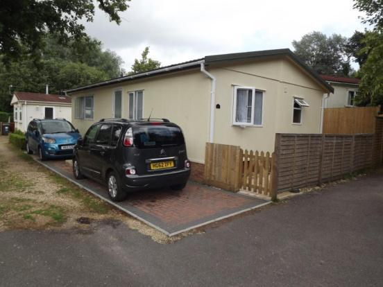 2 Bedroom Mobile Home For Sale In Redhill Park Homes Wimborne