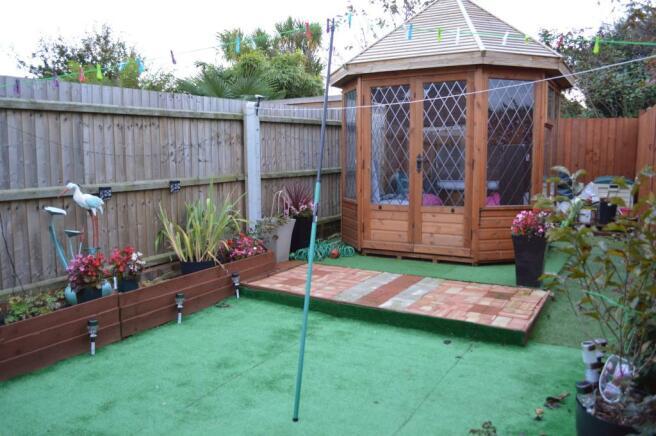 Annexe - Rear Garden