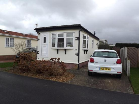 2 Bedroom Mobile Home For Sale In Stour Park New Road