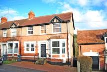 4 bed semi detached house in Burnt Oak, Sidbury...