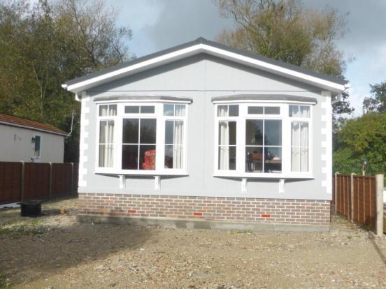 2 Bedroom Mobile Home For Sale In Swanbridge Mobile Home Park London Road Dorchester Dorset Dt1