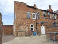 High Street Maisonette to rent