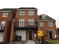 Town House to rent in Binder Close...