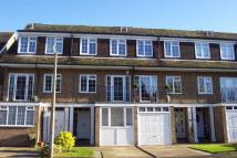 4 bed Town House in Taylors Avenue...