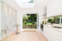 property to rent in St Ann's Villas, Holland Park, W11