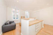 Apartment in Chepstow Place, W2