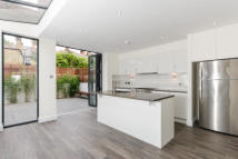 property to rent in Latimer Road, North kensington, W10