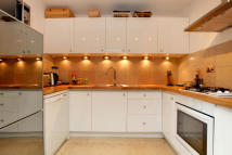 property to rent in St Stephens Gardens, Notting Hill, W2