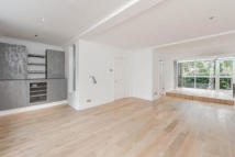 4 bedroom Town House to rent in Logan Place...