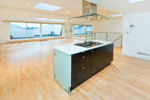 3 bed Flat to rent in Queens Gate Place SW7
