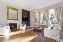 Flat to rent in Courtfield Road, SW7