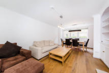 3 bedroom property in Stanhope Mews East...