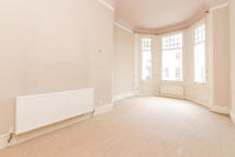 3 bedroom Apartment to rent in Stanhope Gardens...