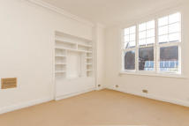 Flat in Drayton Gardens, London...