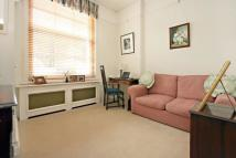 2 bed Flat in Queen's Gate...