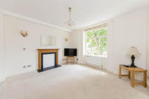 2 bed Flat to rent in Clareville Court...