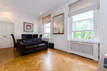 Flat in Courtfield Road, London...